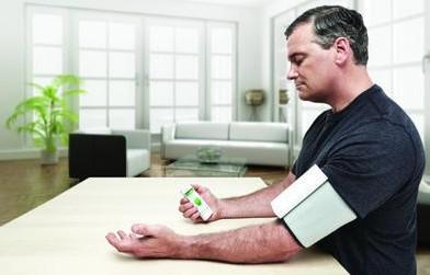 科学家研发可长期使用的便携式动态心电图监测带