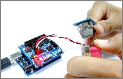 模拟传感器采取不同措施对抗多种干扰