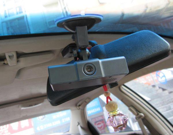多种传感器提供GPS导航应用中的盲区补偿