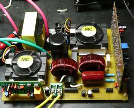 推挽逆变器中变压器漏感尖峰有源钳位
