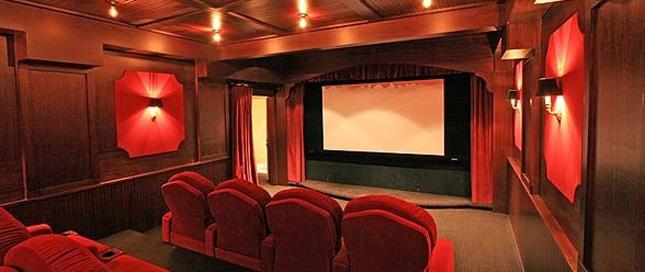 只要买的起它 你就能把家变成IMAX影院