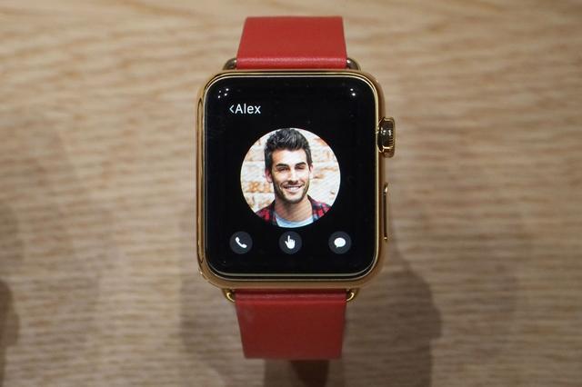价值12万AppleWatch试戴:重的像砖头