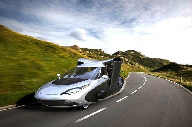 未来版飞行汽车:机翼可折叠 停靠普通车库