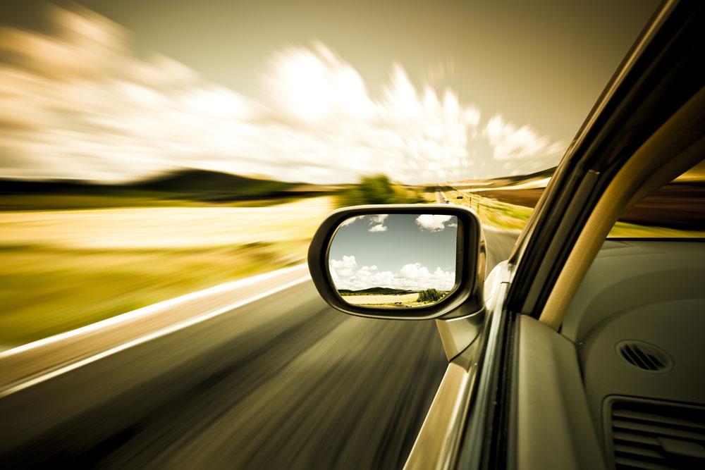 您或您的汽车 谁是更好的驾驶员?