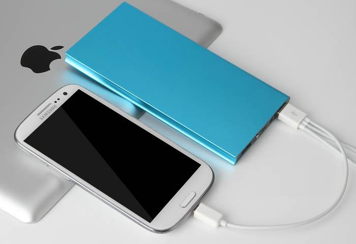 ConvenientPower推出首款金属手机无线充电器