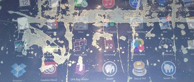 近四千台笔电屏幕暴污点门 苹果欲免费更换