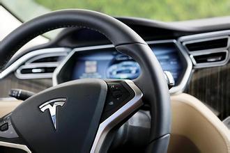 太危险 香港宣布禁用特斯拉自动驾驶功能