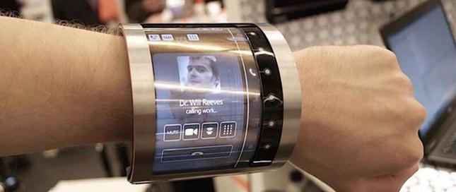 英国公司研发高可塑性柔性屏 可缠绕手腕
