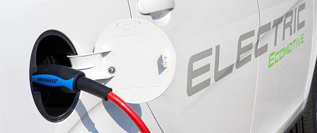 工信部部长:一旦发现骗补新能源汽车决不姑息