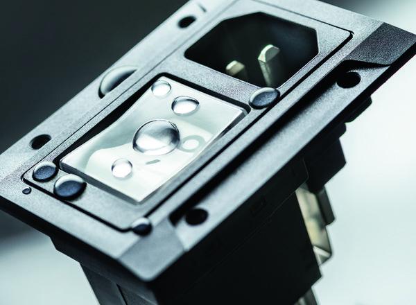 SCHURTER 推出IP67级防水 IEC 插座和断路器